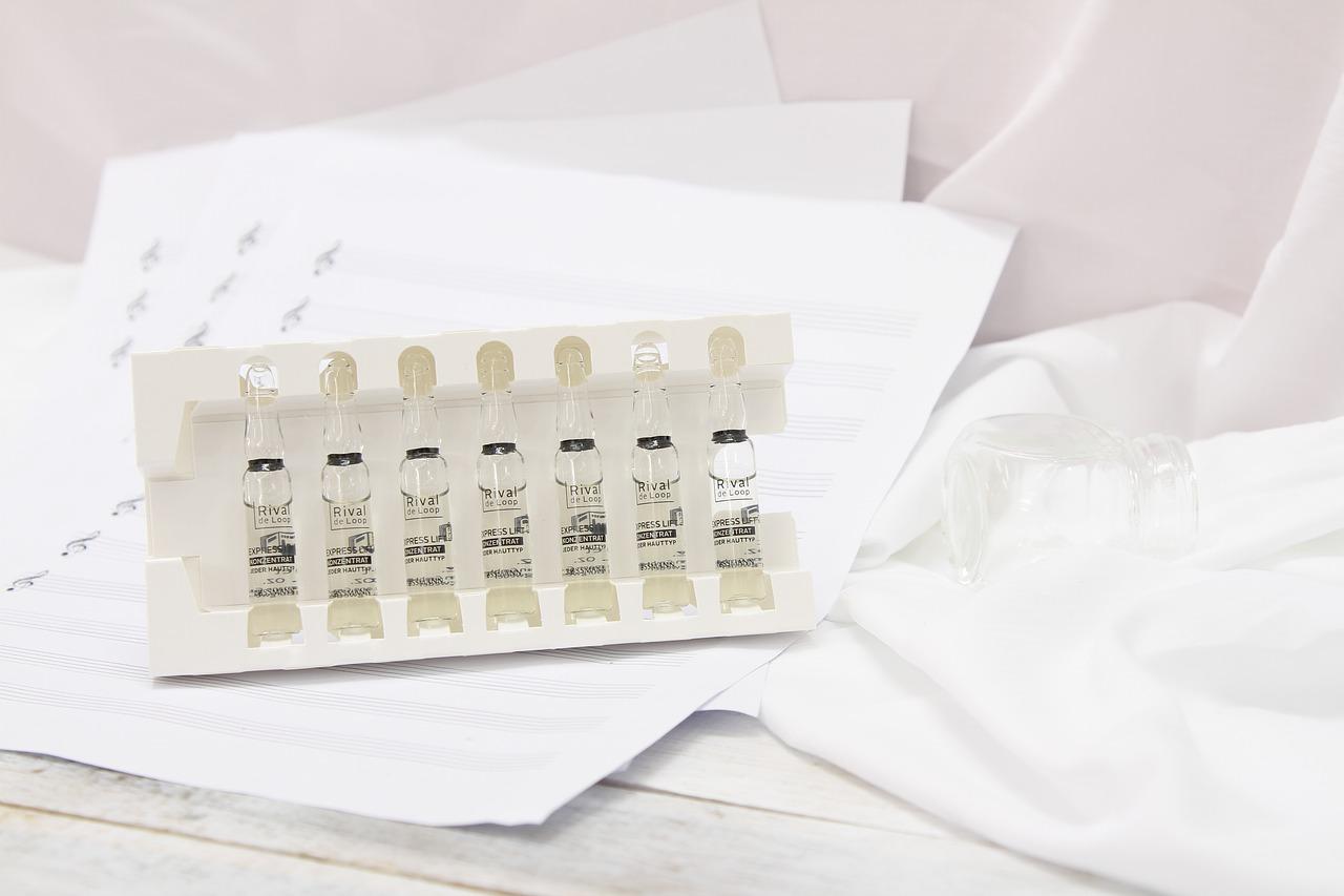 Pielęgnacja cery dojrzałej. Serum do cery dojrzałej – gabinet medycyny estetycznej w Warszawie