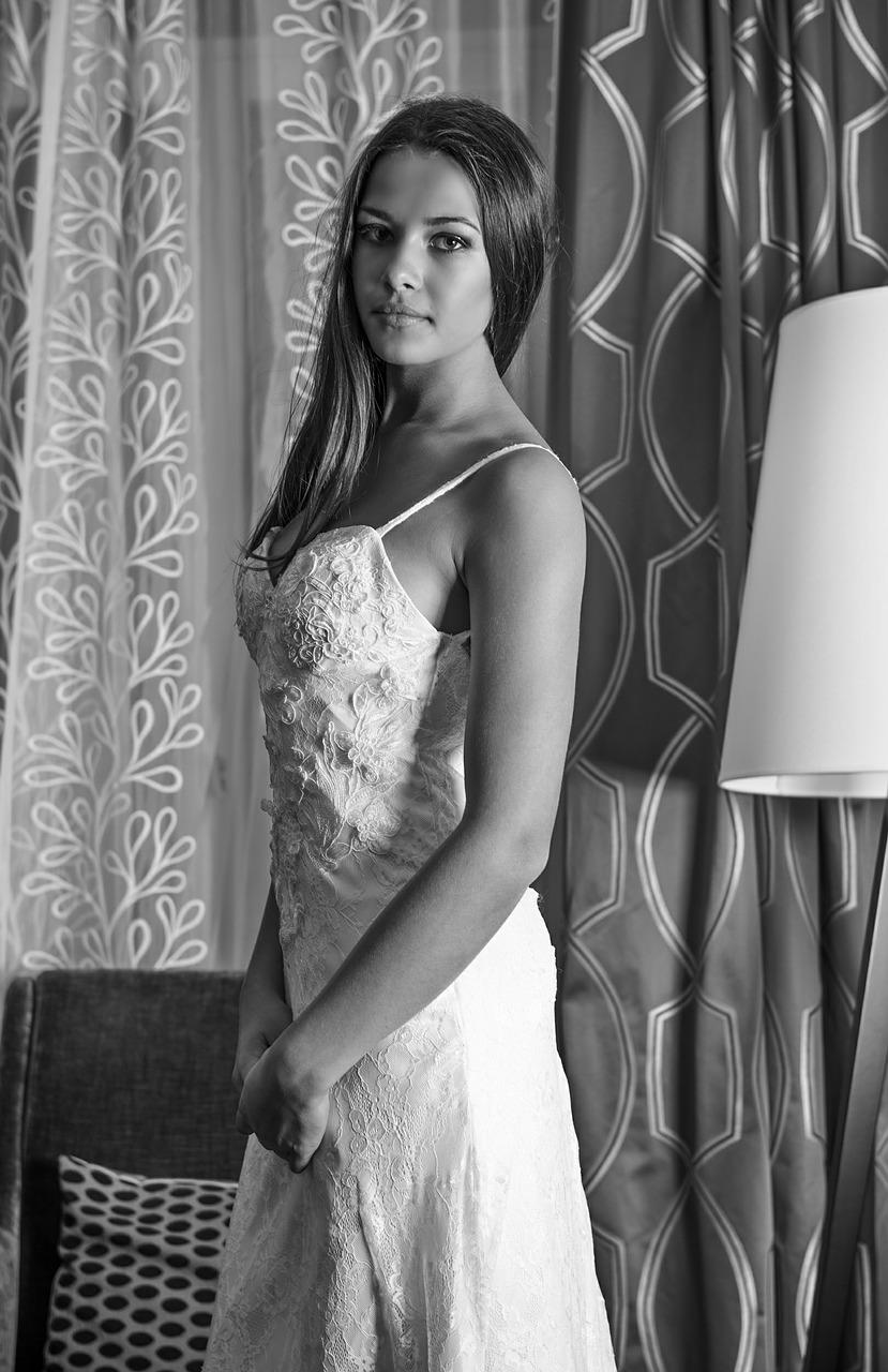 Sierakowice salon sukien ślubnych. Zbliża się twój ślub? Skromne krótkie suknie ślubne