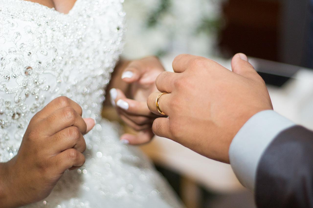 Salon sukien ślubnych Venus. Suknie ślubne dla każdej panny młodej. Suknie ślubne ciążowe krótkie