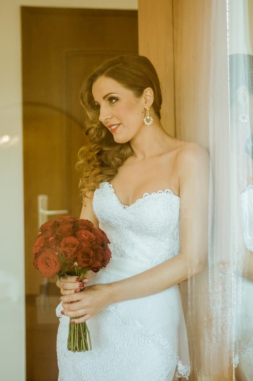 Krótkie sukienki ślubne galerie zdjęcie. Wybór sukni ślubnej. Salon sukien ślubnych Radom Żeromskiego