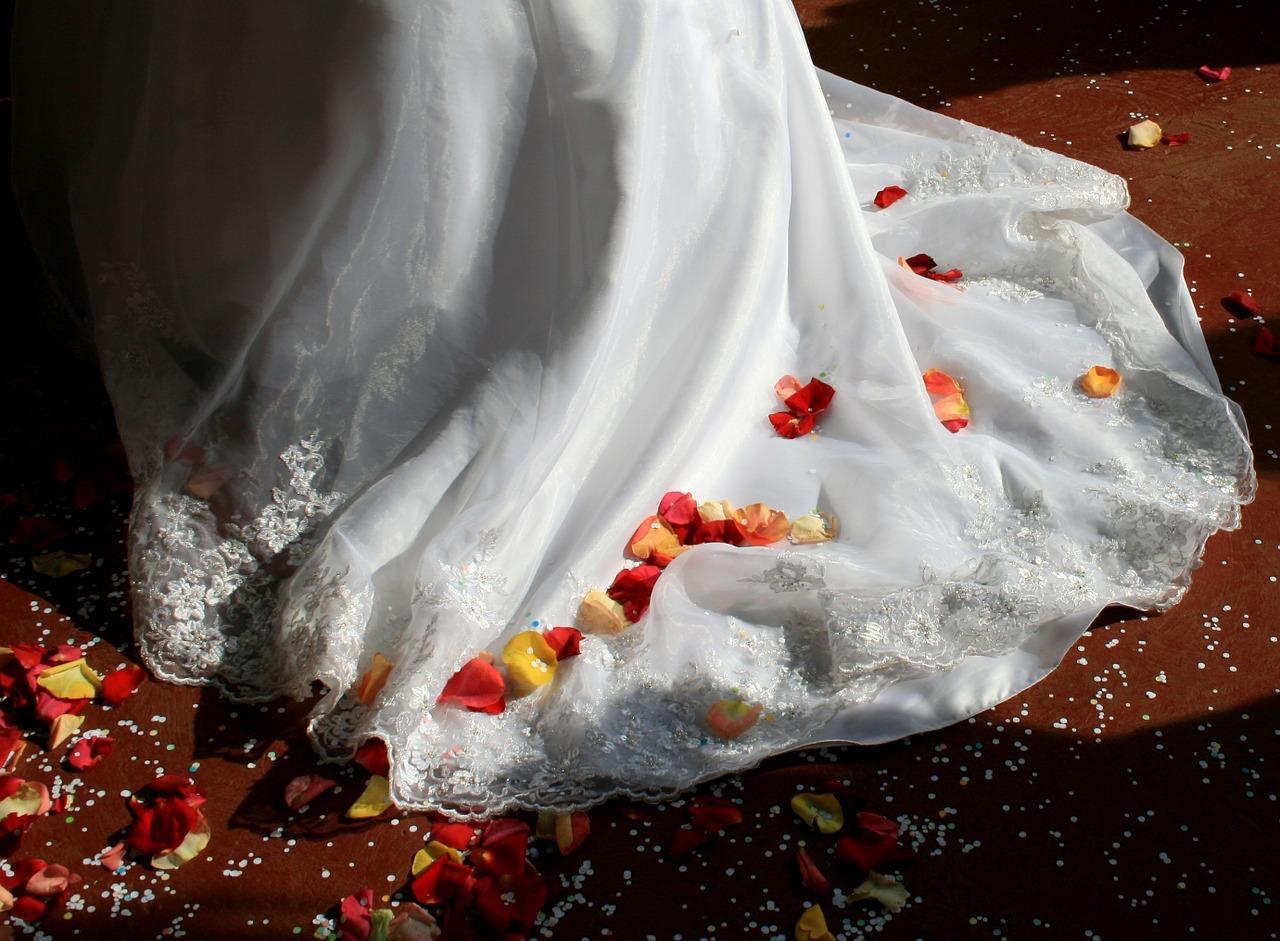 Wygodna suknia ślubna. Wybór odpowiedniej sukni ślubnej. Salon sukien ślubnych Evita Kraków