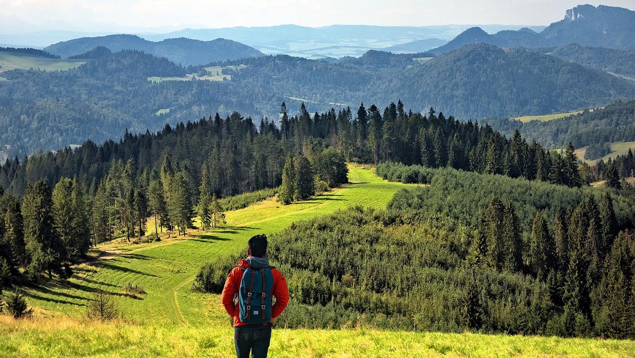Jak wybrać odpowiednią trasę w górach?